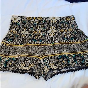 Patterned shorts size XS